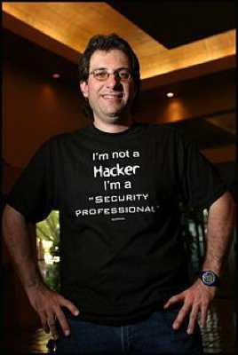 Imagen 2: Kevin Mitnick, famoso black hat hacker, ahora uno de los mejores expertos en seguridad
